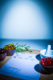 Κάψες, μαξιλάρι κονιάματος, γουδοχεριών και συνταγών Στοκ εικόνες με δικαίωμα ελεύθερης χρήσης