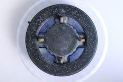 Κάψιμο αερίου από μια σόμπα αερίου κουζινών Κουζίνα αερίου Cooktop Κινηματογράφηση σε πρώτο πλάνο φλογών στοκ εικόνες με δικαίωμα ελεύθερης χρήσης