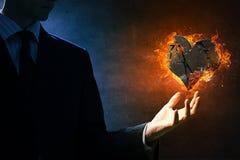 Κάψιμο καρδιών στην πυρκαγιά Στοκ εικόνες με δικαίωμα ελεύθερης χρήσης