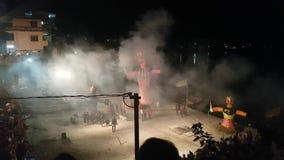 Κάψιμο ομοιώματος Rama στο φεστιβάλ Dussehra απόθεμα βίντεο