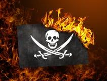 Κάψιμο σημαιών - πειρατής Στοκ φωτογραφία με δικαίωμα ελεύθερης χρήσης