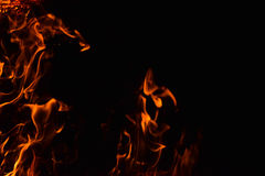 Κάψιμο του αχύρου ρυζιού τη νύχτα Στοκ εικόνα με δικαίωμα ελεύθερης χρήσης