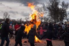 Κάψιμο του ομοιώματος Maslenitsa Στοκ φωτογραφία με δικαίωμα ελεύθερης χρήσης