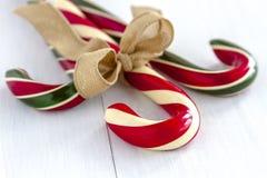 Κάλαμοι καραμελών Χριστουγέννων και Peppermint ραβδιά Στοκ Φωτογραφίες