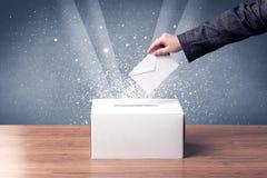 Κάλπη με την ψηφοφορία ρίψεων προσώπων Στοκ Εικόνες