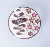 κέικ ή κέικ για τις διακοπές σε ένα υπόβαθρο Στοκ φωτογραφίες με δικαίωμα ελεύθερης χρήσης