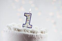 Κέικ: Γενέθλια εορτασμού Α πρώτος Στοκ φωτογραφίες με δικαίωμα ελεύθερης χρήσης