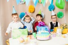 Κέικ γενεθλίων αγοριών Στοκ φωτογραφία με δικαίωμα ελεύθερης χρήσης