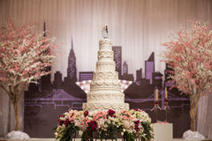 Κέικ για τη γαμήλια τελετή Στοκ εικόνα με δικαίωμα ελεύθερης χρήσης