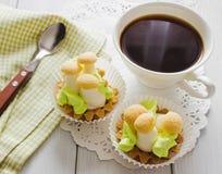 Κέικ και καφές μπισκότων Στοκ Εικόνες