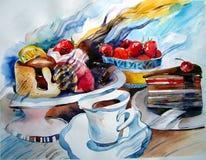 Κέικ και κομμάτια των κέικ σε ένα πιάτο, μια φράουλα και ένα λεμόνι, ένα φλυτζάνι του τσαγιού Στοκ εικόνες με δικαίωμα ελεύθερης χρήσης