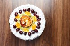 Κέικ καρπού με την κρέμα Στοκ Εικόνες