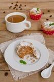 Κέικ καφέ, muffins με το άρωμα καφέ Στοκ φωτογραφία με δικαίωμα ελεύθερης χρήσης