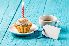 Κέικ με την κρέμα, καφές, κάρτα Στοκ εικόνα με δικαίωμα ελεύθερης χρήσης