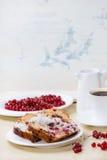 Κέικ με την κόκκινη σταφίδα Στοκ εικόνες με δικαίωμα ελεύθερης χρήσης