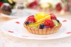 Κέικ με τη ζελατίνα φρούτων Στοκ Φωτογραφίες