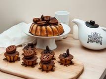 Κέικ με τη σοκολάτα Στοκ εικόνες με δικαίωμα ελεύθερης χρήσης