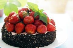Κέικ με τη φράουλα, οριζόντια στοκ εικόνες
