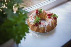Κέικ με τις φράουλες Στοκ εικόνα με δικαίωμα ελεύθερης χρήσης
