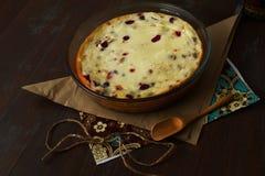 Κέικ με το τυρί εξοχικών σπιτιών Στοκ Φωτογραφίες