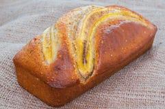 Κέικ μπισκότων ψωμιού φραντζολών μπανανών multigrain, υγιές πρόχειρο φαγητό Στοκ Φωτογραφίες