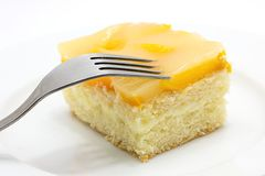 Κέικ ροδάκινων στο πιάτο Στοκ Φωτογραφία