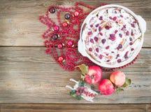 Κέικ ρόλων της Apple, των βακκίνιων και κανέλας με την κρεμώδη τήξη και το CH Στοκ εικόνες με δικαίωμα ελεύθερης χρήσης