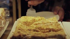 Κέικ σε μια προθήκη φιλμ μικρού μήκους