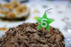Κέικ σοκολάτας για την εξαετή επέτειο Στοκ Φωτογραφίες