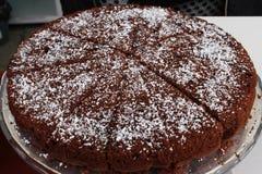 Κέικ σοκολάτας με το κακάο και την καρύδα στοκ φωτογραφίες με δικαίωμα ελεύθερης χρήσης