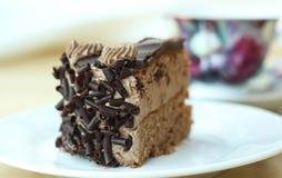 Κέικ στο πιάτο στοκ φωτογραφίες