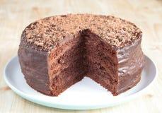 Κέικ σφουγγαριών σοκολάτας με τη σοκολάτα buttercream Στοκ Φωτογραφία