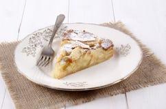Κέικ της Apple με την κονιοποιημένη ζάχαρη Στοκ Εικόνα