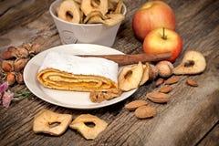 Κέικ της Apple - πίτα μήλων Στοκ φωτογραφία με δικαίωμα ελεύθερης χρήσης