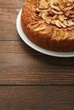 Κέικ της Apple στο πιάτο Στοκ Εικόνες