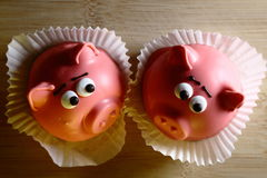 Κέικ υπό μορφή ροζ piggy Στοκ φωτογραφία με δικαίωμα ελεύθερης χρήσης