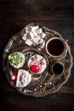 Κέικ φλυτζανιών καφέ και Χριστουγέννων Στοκ Εικόνες