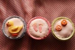 Κέικ φλυτζανιών με τη γλυκιά ζύμη Στοκ Εικόνες