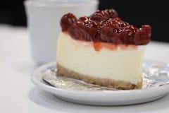 Κέικ Chesse κερασιών Στοκ Εικόνα