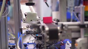 Κέντρο έκθεσης γραμμών συνελεύσεων παραγωγής ρομπότ απόθεμα βίντεο