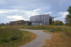 Κέντρο επισκεπτών πάρκων λιμνών άνοιξη Στοκ εικόνα με δικαίωμα ελεύθερης χρήσης