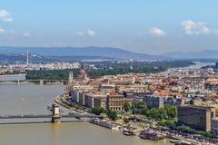 Κέντρο πόλεων της Βουδαπέστης και ποταμός Δούναβη στοκ εικόνες με δικαίωμα ελεύθερης χρήσης