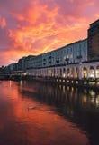 Κέντρο πόλεων του Αμβούργο στο όμορφο ηλιοβασίλεμα Στοκ εικόνα με δικαίωμα ελεύθερης χρήσης