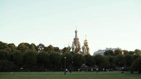 Κέντρο της Άγιος-Πετρούπολης, Ρωσία: Η εκκλησία του Savior στο αίμα απόθεμα βίντεο