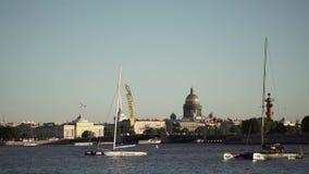 Κέντρο της Άγιος-Πετρούπολης, Ρωσία: Ποταμός Neva, γέφυρα παλατιών, καθεδρικός ναός του Isaac ` s φιλμ μικρού μήκους
