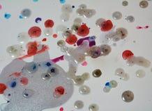 Κέρινο υπόβαθρο Watercolor, λαμπιρίζοντας λασπώδες κέρινο χρώμα, υπόβαθρο μορφών αντίθεσης στα χρώματα κρητιδογραφιών Στοκ Φωτογραφία