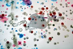 Κέρινο χρώμα Watercolr, υπόβαθρο μορφών αντίθεσης στα χρώματα κρητιδογραφιών Στοκ εικόνα με δικαίωμα ελεύθερης χρήσης