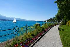Κήποι και λίμνη Thun Στοκ εικόνες με δικαίωμα ελεύθερης χρήσης
