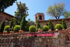 Κήποι στα μοναστήρια στην Ελλάδα στοκ φωτογραφία με δικαίωμα ελεύθερης χρήσης