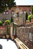 Κήποι στα μοναστήρια στην Ελλάδα στοκ εικόνες